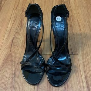 Burberry Blk Classic Patent Leather Stiletto Heels